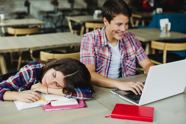 دانش آموزان کنکوری در جمع بندی کنکور تجربی